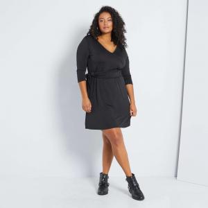 Черна дамска рокля голям размер
