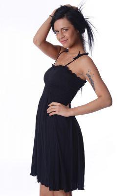 Черна рокля с тънки презрамки