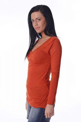 Дамска блуза обшита с пайети