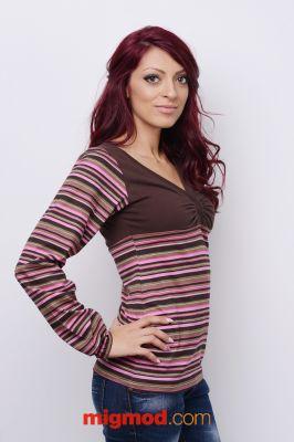 Дамска блуза с остро деколте
